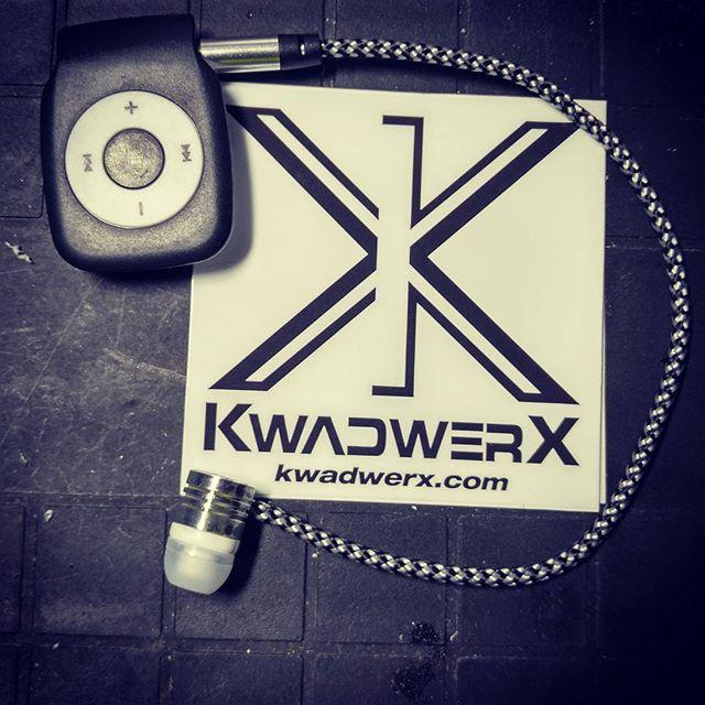 MUSIQUE MP3 FPV KWADWERX