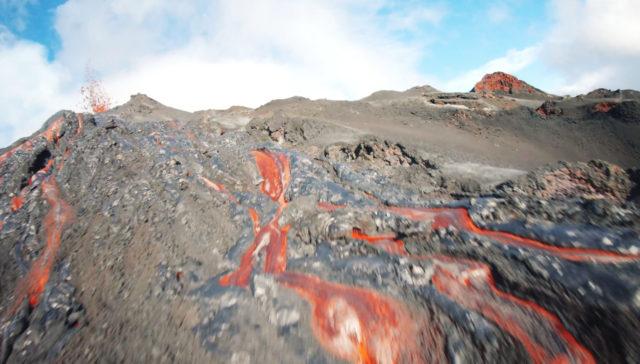 drone vs volcan